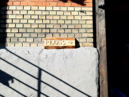 Holzschild_Praxis