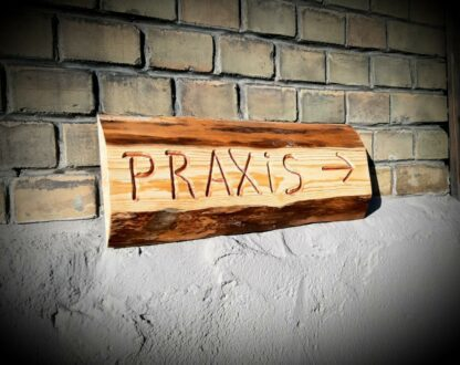 Holzschild_Praxis1